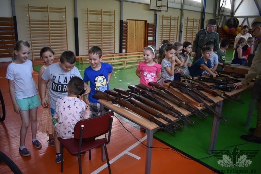 Výstava na ZŠ Jaslovské Bohunice